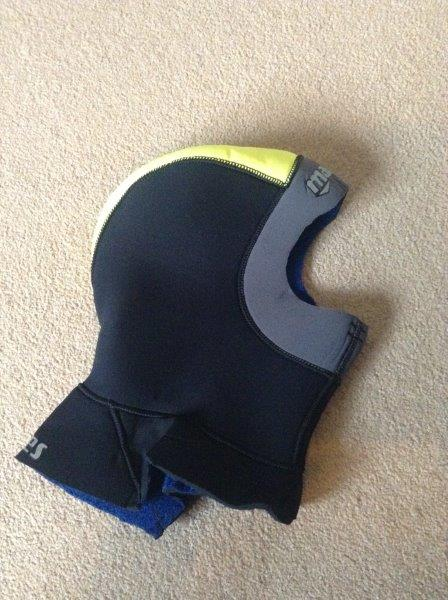 Mares Neoprene Hood - Black and Yellow - Used - Excellent Condition