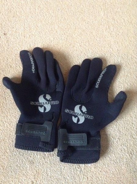 Scuba Pro Medium Thick Diving Gloves - Size Large - BRAND NEW AND UNUSED