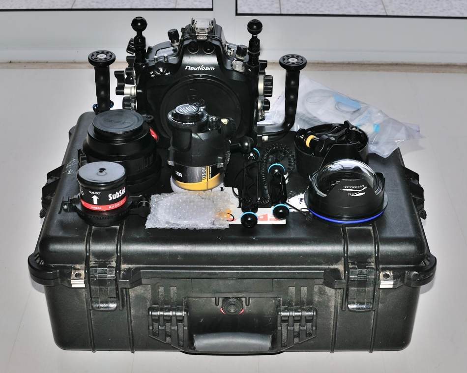 Nauticam housing for Nikon D300s with complete set up for underwater photography