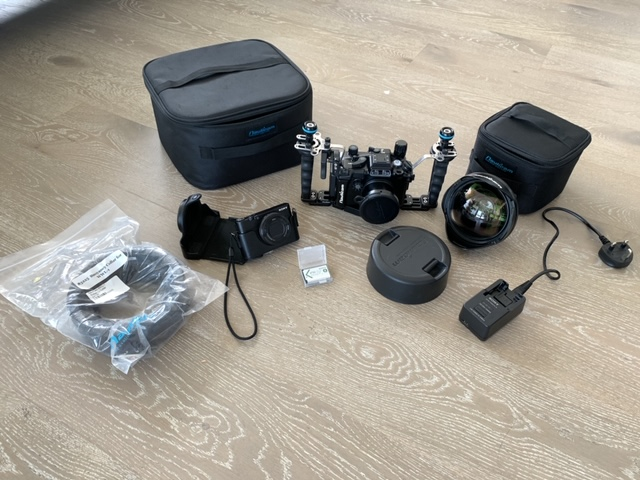 Sony RX100 V underwater package